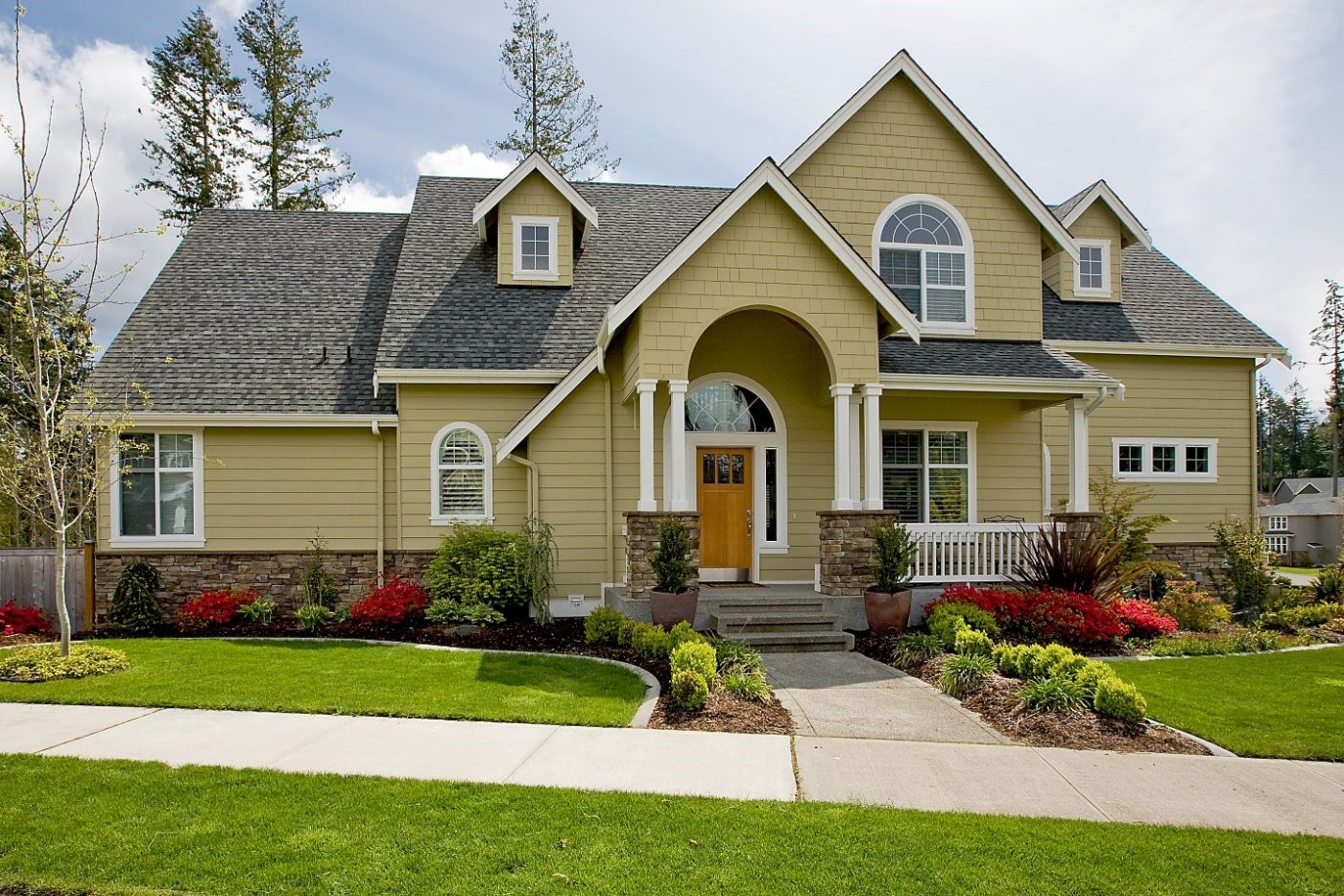 A Beautiful House - Insulated Vinyl Siding in Utah - Advanced Window Products